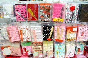バレンタインのラッピンググッズは100円ショップ