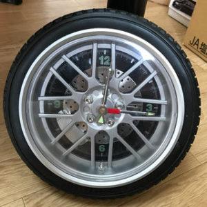 ニトリ タイヤ型の壁時計